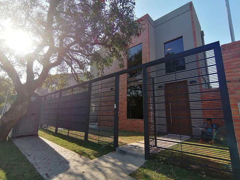 Foto Casa en Venta | Alquiler en  Luque ,  Central  Zona Villa Policial, Luque