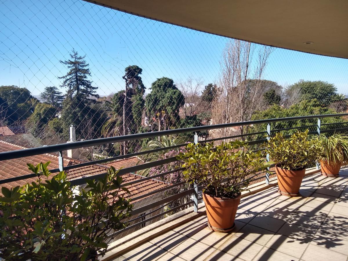 Foto Departamento en Venta en  La Lucila-Vias/Libert.,  La Lucila  Av del Libertador al 3600