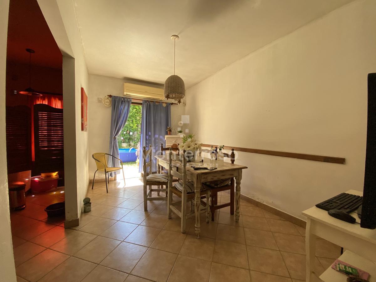 Foto Casa en Venta en  Quilmes,  Quilmes  Alvear al 1200