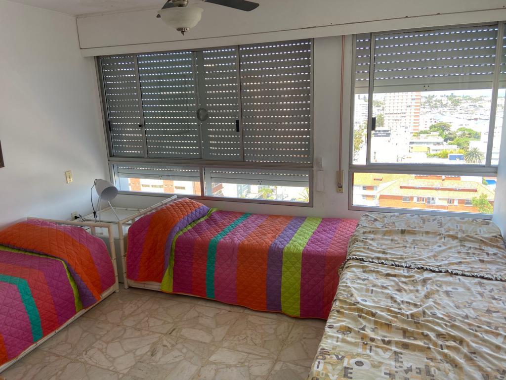 Foto Departamento en Alquiler temporario en  Punta del Este ,  Maldonado  Calle 20 esquina 29 depto al 1300
