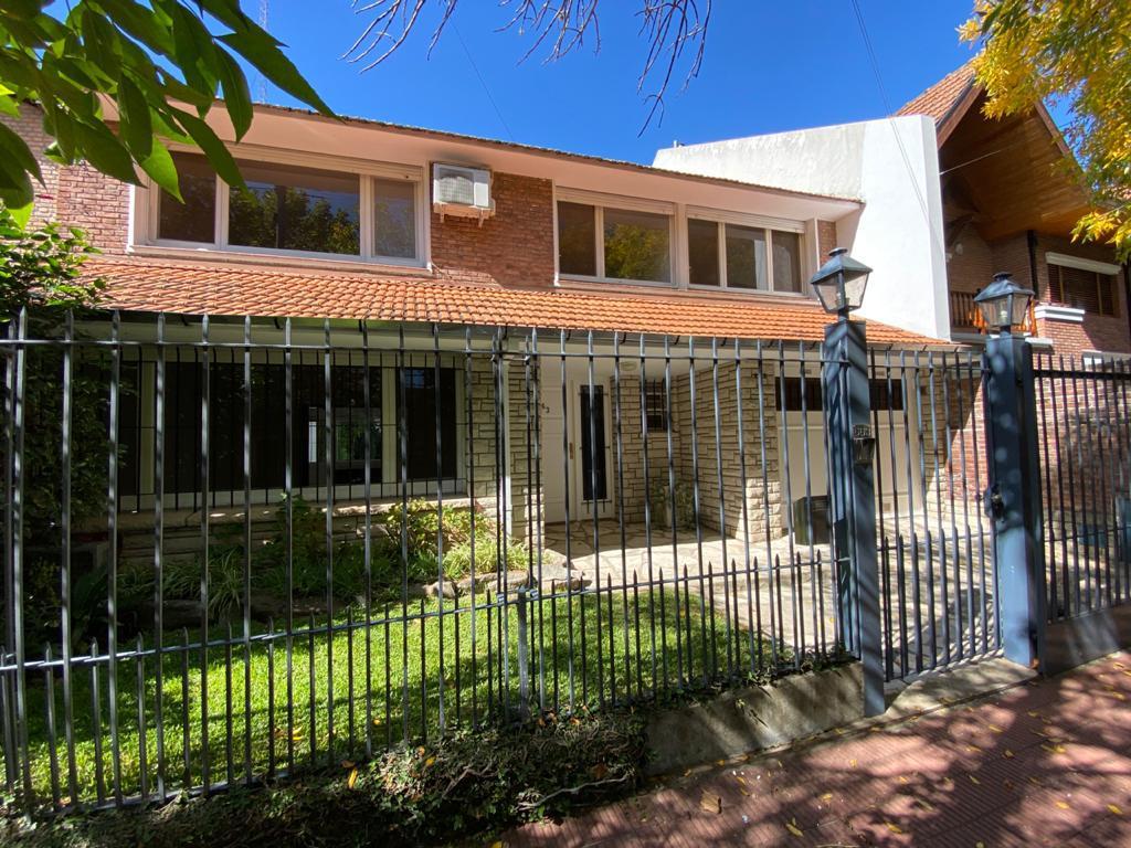 Foto Casa en Alquiler   Alquiler temporario en  Mart.-Vias/Libert.,  Martinez  MUÑIZ AL 600