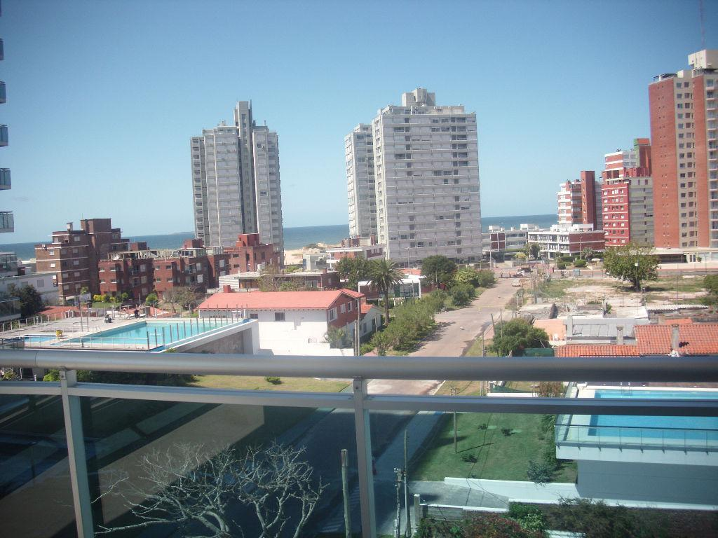 Foto Departamento en Alquiler temporario en  Playa Brava,  Punta del Este  Departamento brava, 2 amb