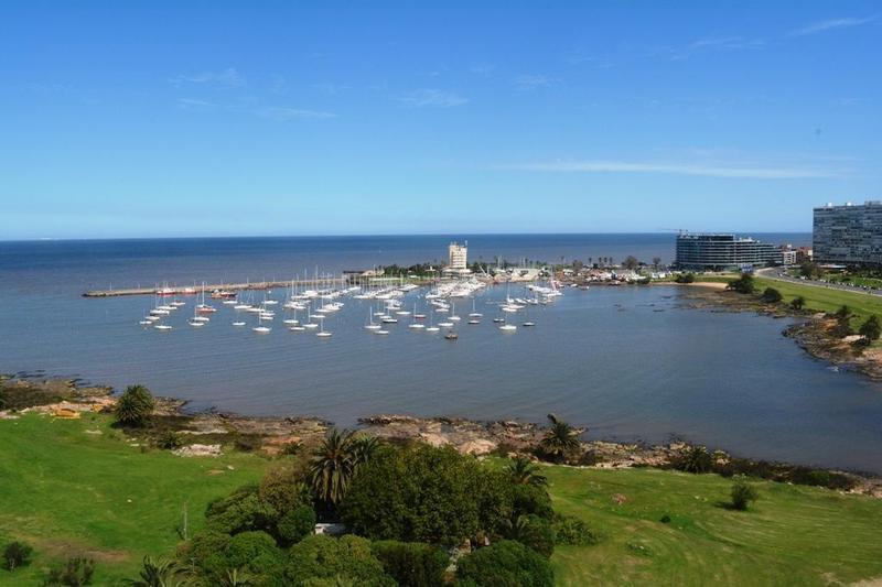 Foto Apartamento en Venta en  Pocitos Nuevo ,  Montevideo  ARMENIA, RAMBLA 3800