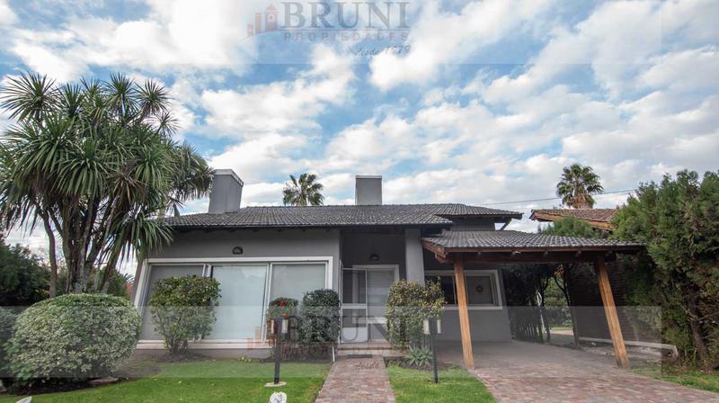 Foto Casa en Venta en  Venado,  Countries/B.Cerrado  Sargento Cabral al 4600