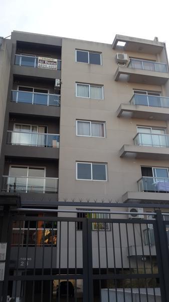 Foto Departamento en Alquiler en  Moron ,  G.B.A. Zona Oeste  Guemes Torino 25 - 5ºE