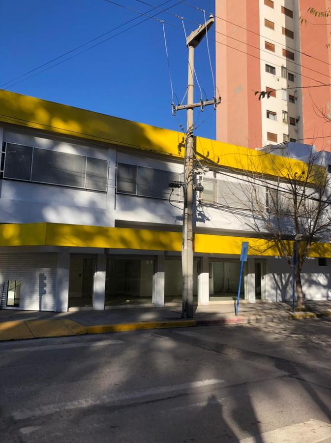 Foto Local en Alquiler en  Capital ,  Neuquen  Av Argentina y Carlos H Rodriguez. Local Comercial en Alquiler