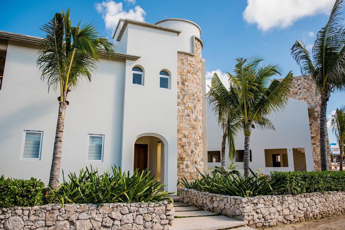 Foto Casa en Venta en  Isla Mujeres ,  Quintana Roo  CASA DE LUJO  EN VENTA EN ISLA MUJERES EN RESIDENCIAL LA DIOSA CASA MAD.