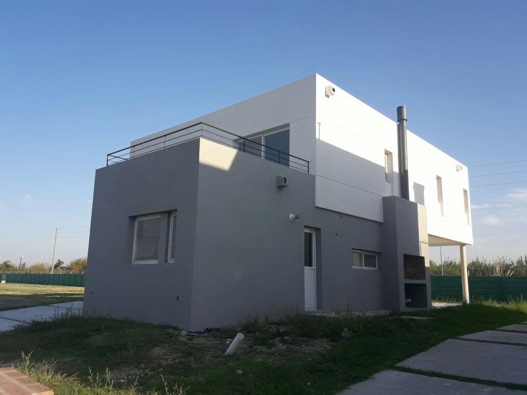 Foto Casa en Venta |  en  Nordelta,  Countries/B.Cerrado  Casa de 5 ambientes en Los Castaños, Nordelta