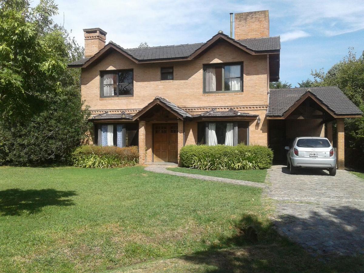 Foto Casa en Venta en  La Delfina,  Countries/B.Cerrado  av juan domingo peron al 1300