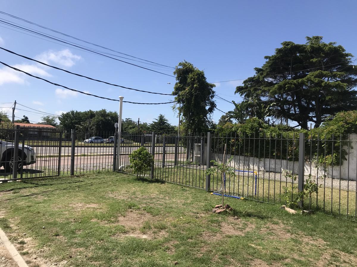 Foto Casa en Alquiler en  Barra de Carrasco ,  Montevideo  Avenida Al Parque M33S2