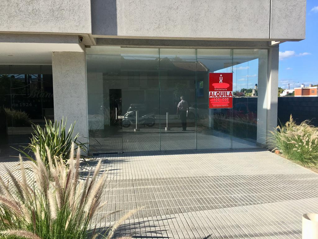 Foto Local en Alquiler |  en  Santa Ana Residencia,  Cordoba  LUIS AGOTE CASI SOL DE MAYO
