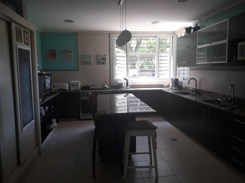 Foto Casa en Venta en  Fisherton,  Rosario  Alvarez Condarco Bis al 300