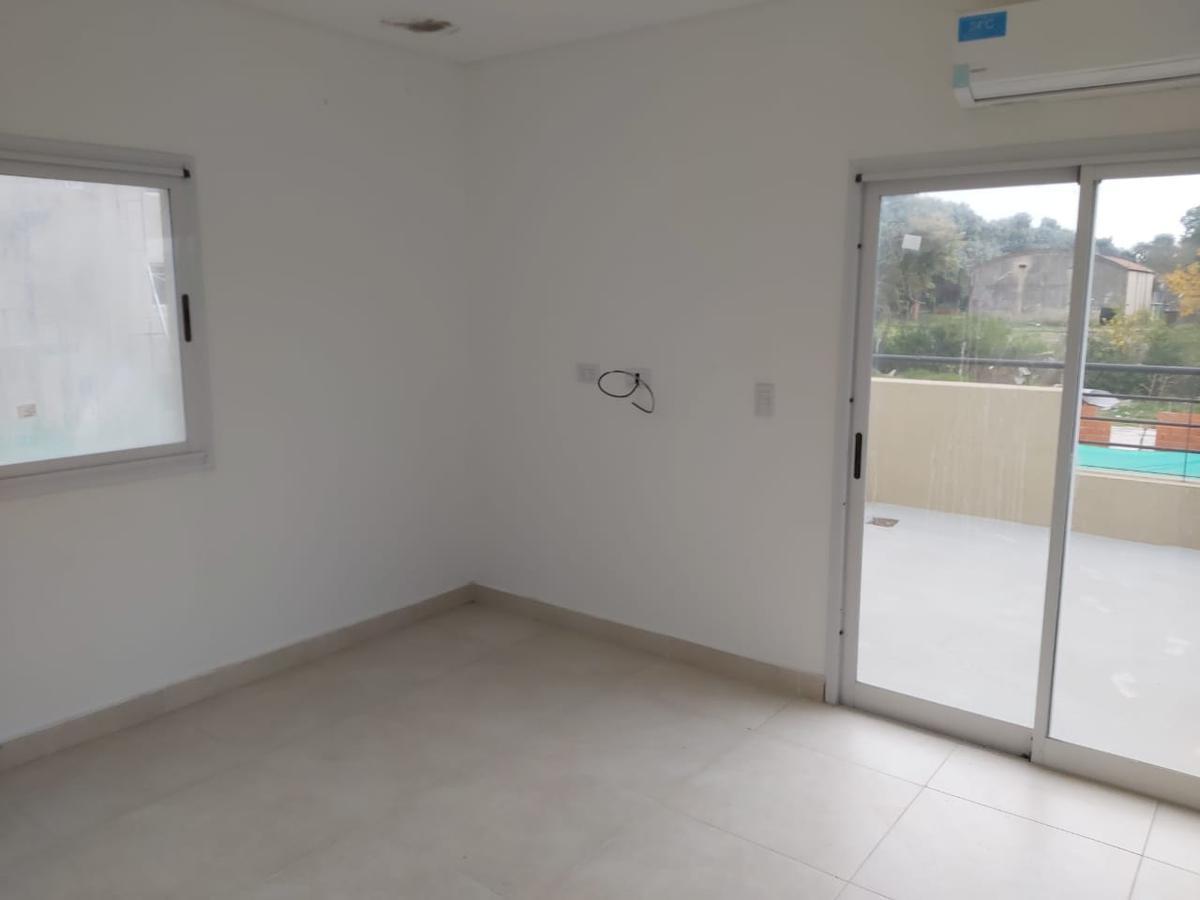 Foto Departamento en Alquiler en  Barrio El Aljibe,  Countries/B.Cerrado (Manzanares)  ALQUILER DEPTO 2 AMB CON TERRAZA Y BALCON