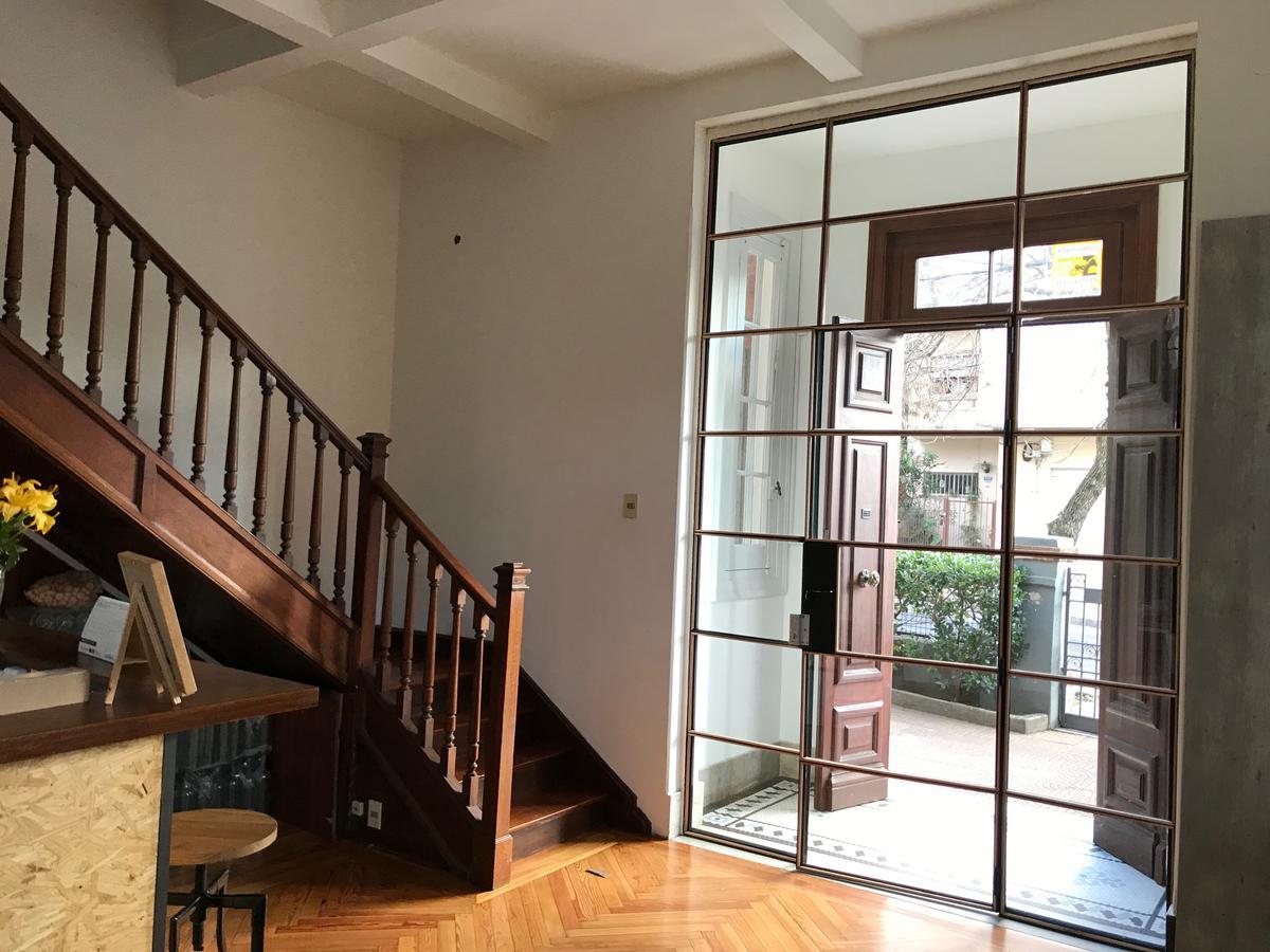 Foto Casa en Venta en  Pocitos ,  Montevideo  Venta con renta. Mucha presencia