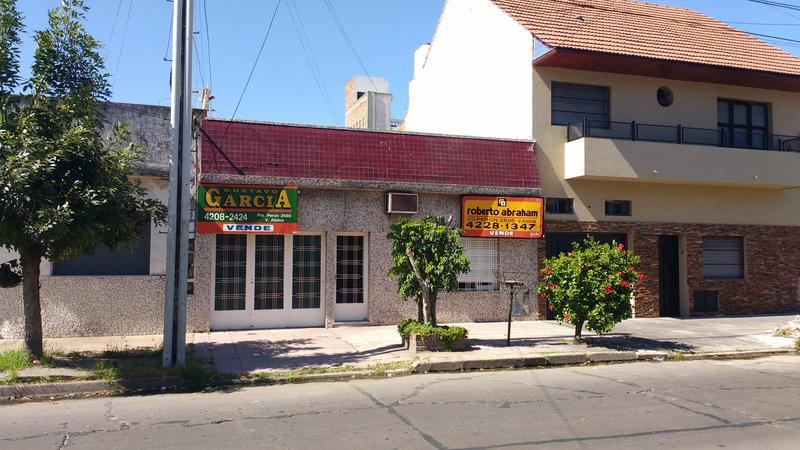 Foto Casa en Venta en  Valentin Alsina,  Lanus  BRASIL 1000