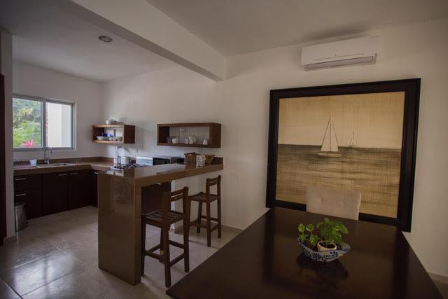 Foto Casa en Venta en  Ciudad de Cancún,  Cancún  CASA EN VENTA EN CANCUN EN AVENIDA HUAYACÁN EN RESIDENCIAL ARBOLADA BY CUMBRES