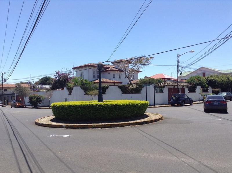 Foto Casa en Venta en  Carmen,  San José  Casa en Barrio Escalante con Uso de Suelo Comercial