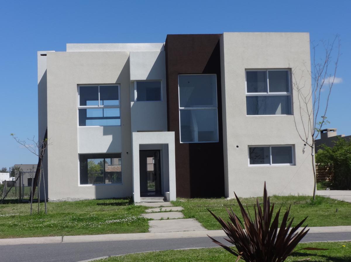 Latitud NS - Casa en Venta en San Marco - Venta casa 4 ambientes ...