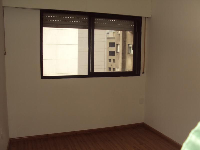 Foto Departamento en Venta en  Ciudad Vieja ,  Montevideo  Plaza Independencia