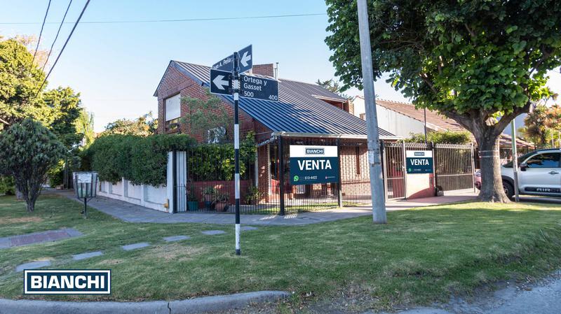 Foto Casa en Venta en  San Jerónimo,  Mar Del Plata  Ortega y Gasset 486