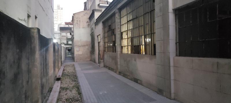 Foto Local en Alquiler en  Lomas de Zamora Oeste,  Lomas De Zamora  MEEKS 165