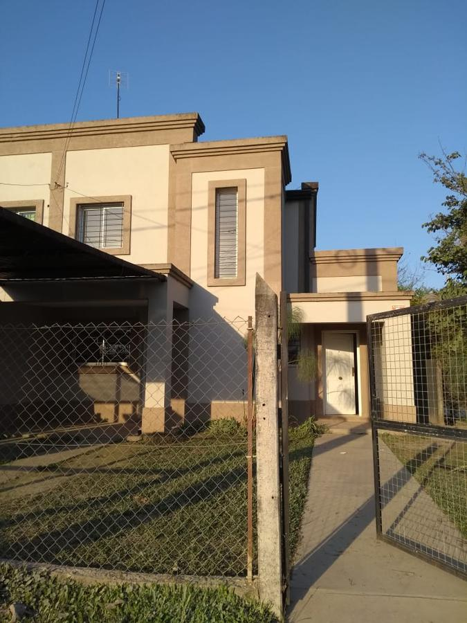 Foto Casa en Alquiler en  Yerba Buena ,  Tucumán  España y Thiele