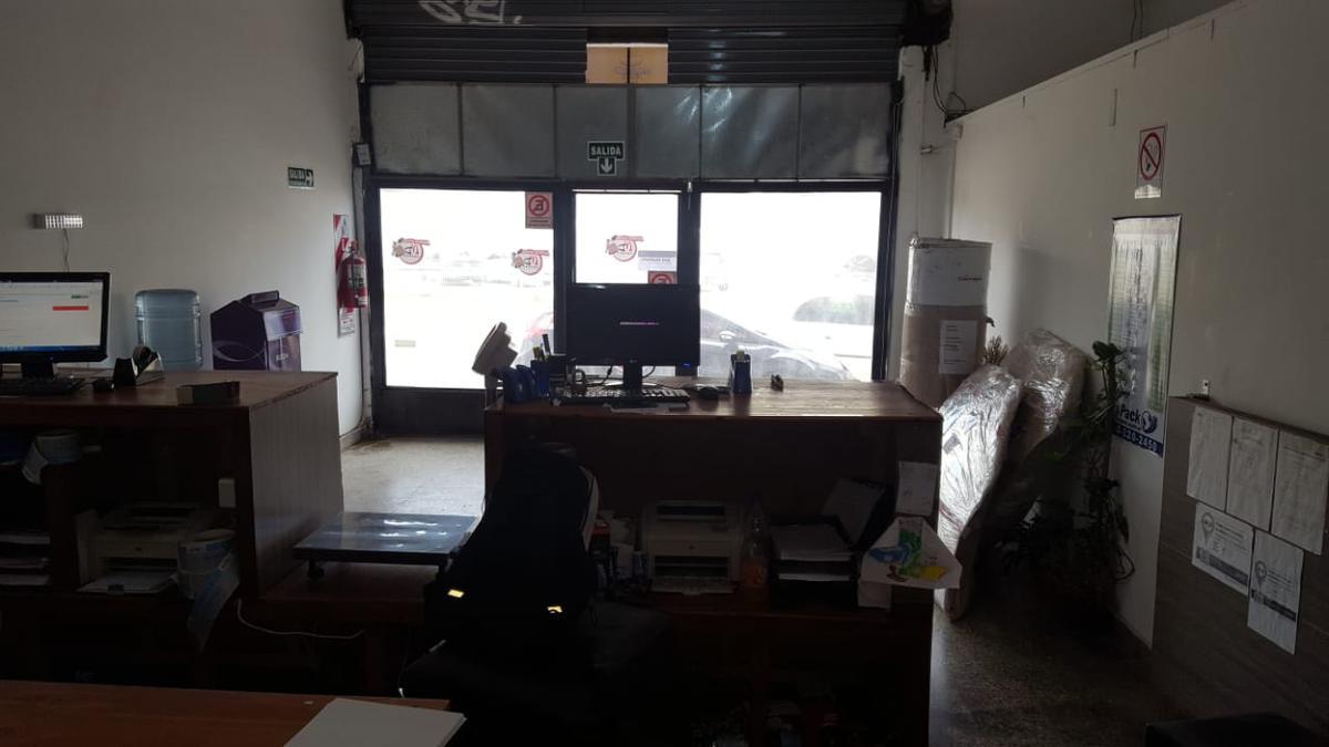 Foto Local en Venta en  Billinghurst,  General San Martin  Av. Dr. Ricardo Balbín al 4200