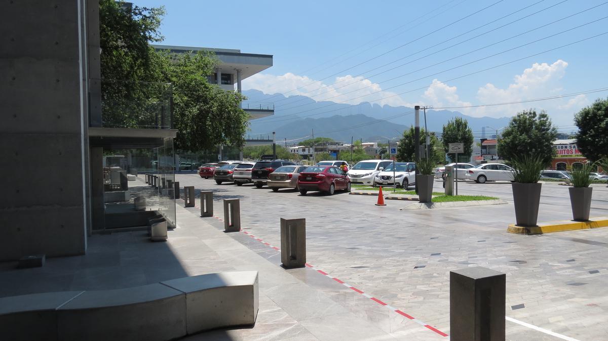 Foto Local en Renta en  Contry Sol,  Guadalupe  RENTA LOCAL COMERCIAL AAA PLAZA MONTERREY  GUADALUPE CONTRY CON PERMISO DE ALCOHOL