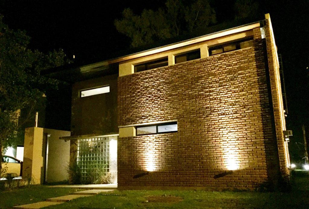 Foto Casa en Venta en  Ibarlucea,  Rosario  AV. DEL LIMITE 6639