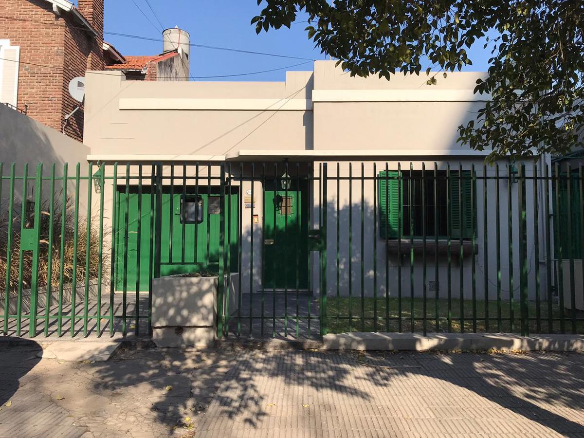 Foto Casa en Alquiler en  Ituzaingó ,  G.B.A. Zona Oeste  24 de Octubre al 600