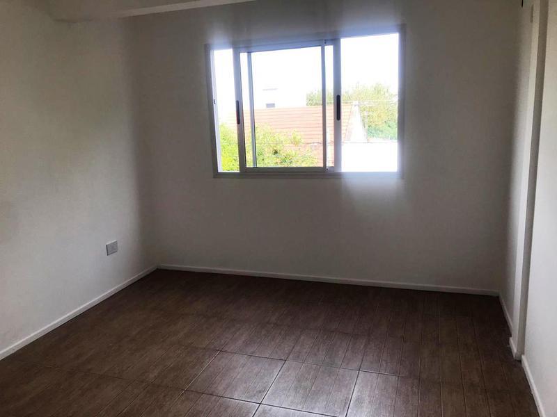 Foto Departamento en Venta | Alquiler en  Lomas de Zamora Oeste,  Lomas De Zamora  Bolivar 358  2 A