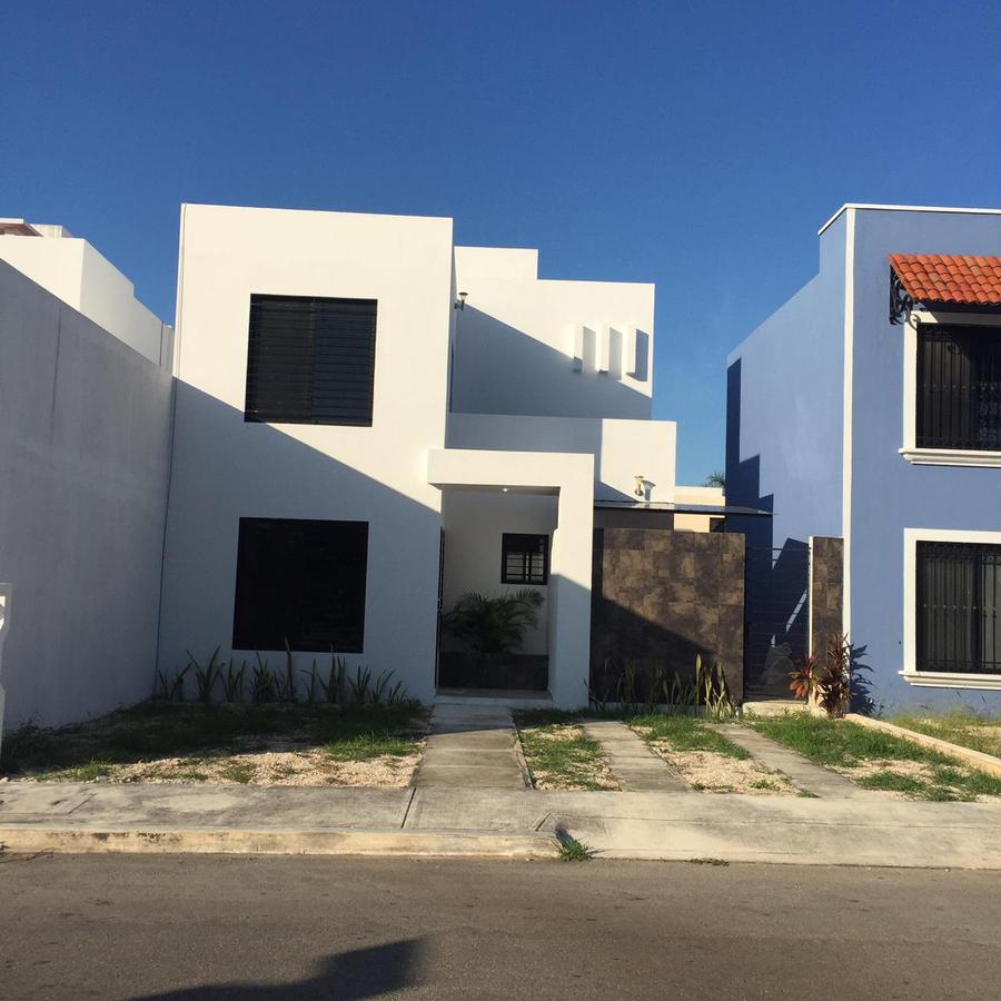 Foto Casa en Venta en  Fraccionamiento Gran Santa Fe,  Mérida  Casa en venta en Merida, Santa fe - es calle cerrada sin cuota, frente a un parque