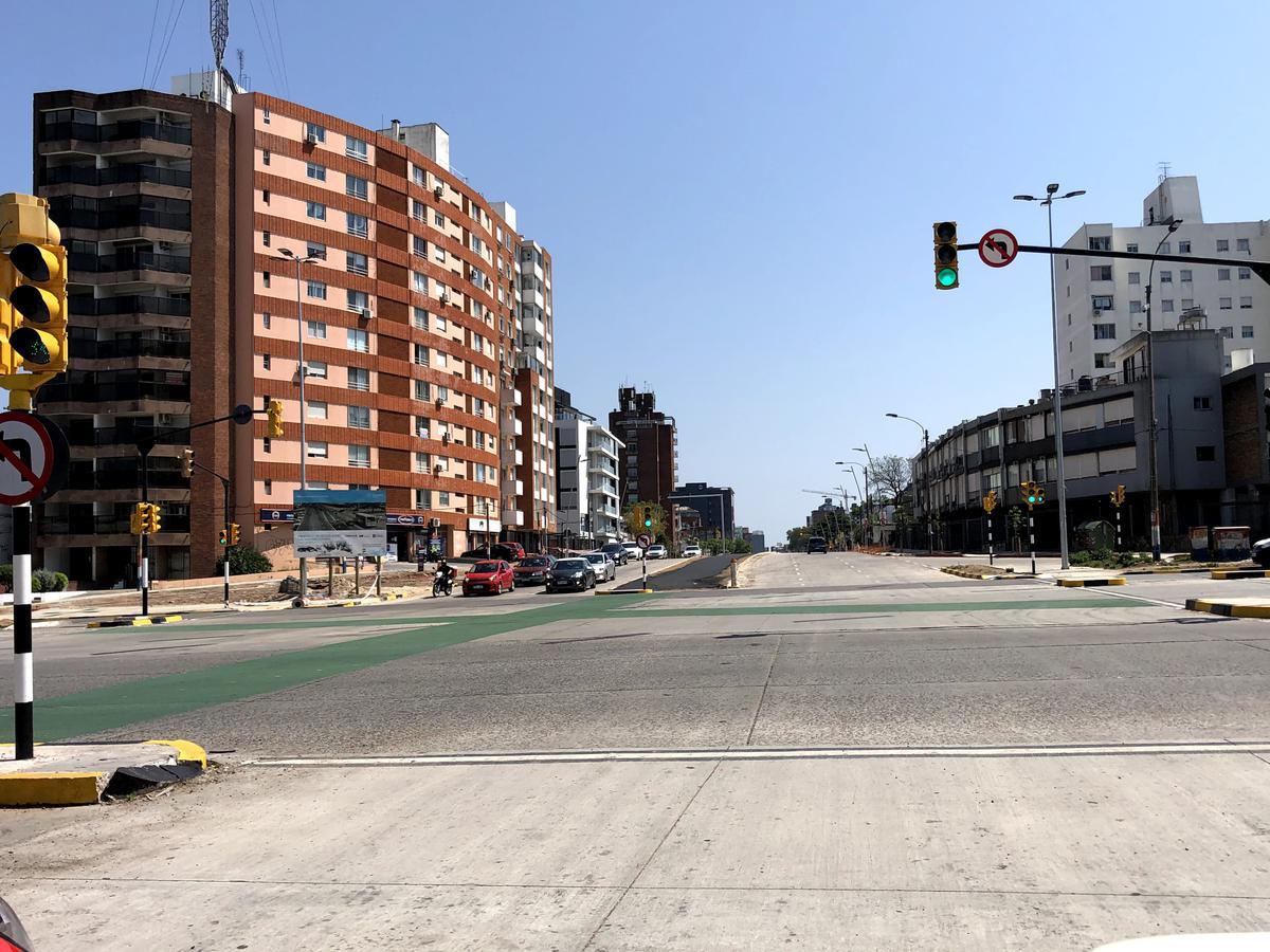 Foto Terreno en Venta en  La Blanqueada ,  Montevideo  Av. Luis Alberto de Herrera próx. Av. Italia