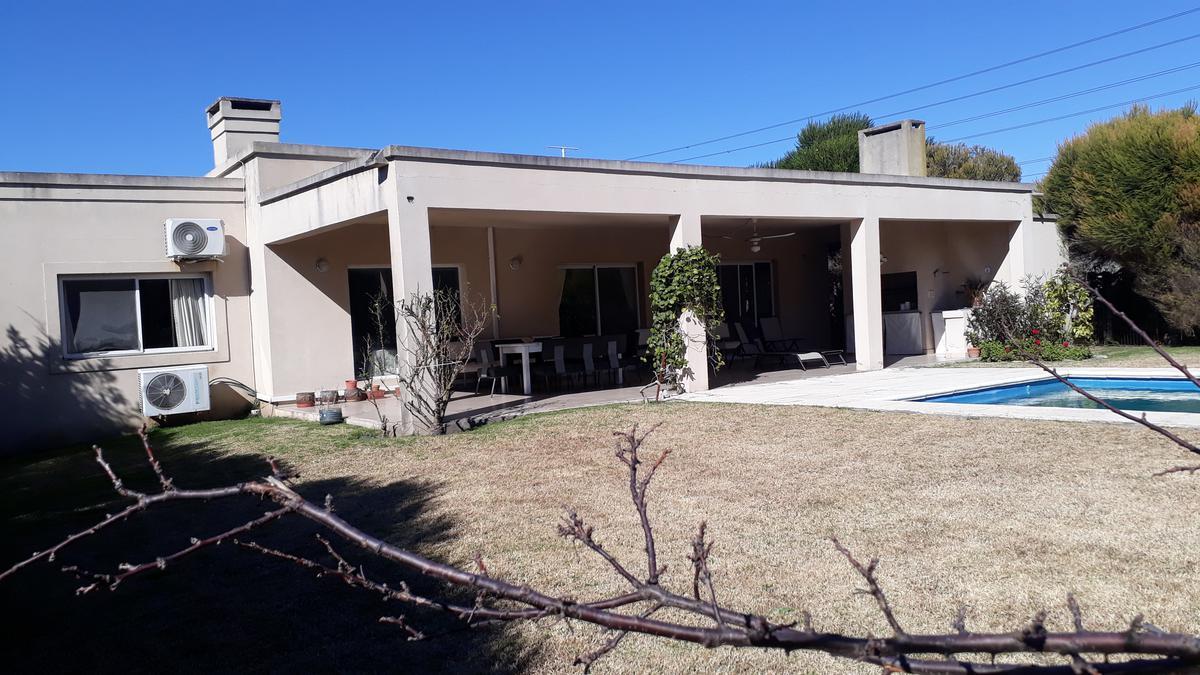 Foto Casa en Venta en  Talar Del Lago II,  Countries/B. Cerrado (General Pacheco)  Talar del Lago II