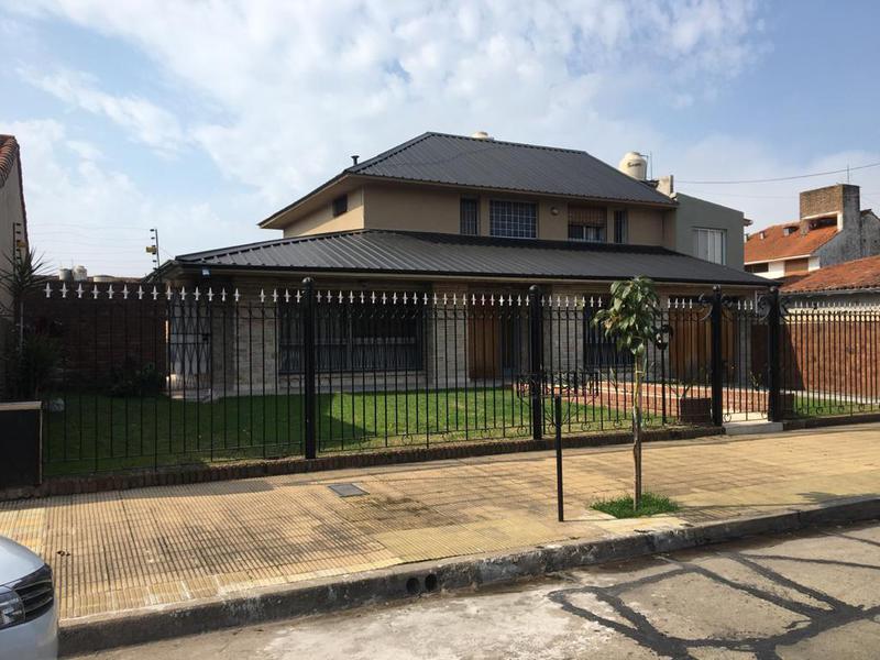 Foto Casa en Venta en  Martinez,  San Isidro  SAN LORENZO entre GENERAL PIRAN y SAENZ VALIENTE