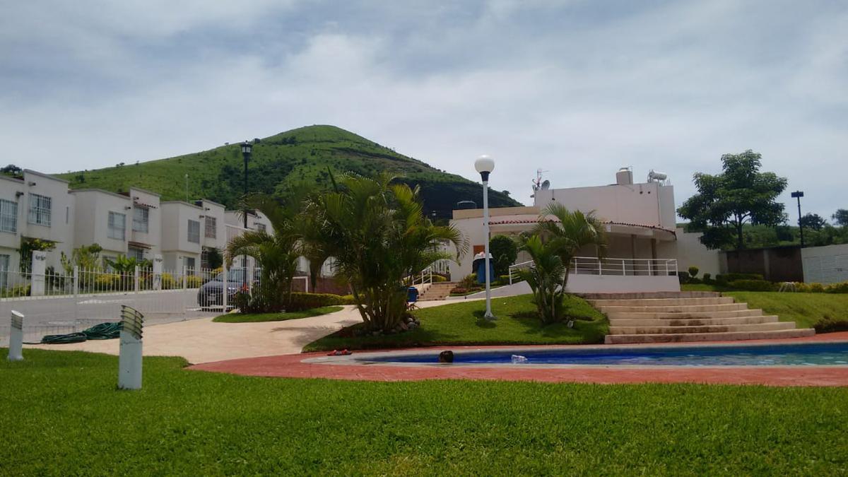 Foto Casa en condominio en Venta en  La Pintora Los Laureles),  Xochitepec  Venta casa en Fraccionamiento los Laureles - V169