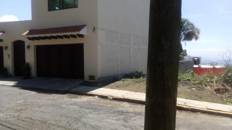 Foto Terreno en Venta en  Lomas de Tetela,  Cuernavaca  VENTA DE TERRENO EN LOMAS DE TETELA CUERNAVACA MOR.