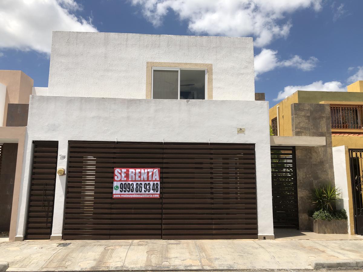 Foto Casa en Renta en  Fraccionamiento Altabrisa,  Mérida  Rento casa de 4 habitaciones en Altabrisa