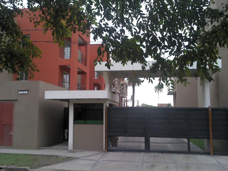 Foto Cochera en Venta en  San Miguel,  San Miguel  Pringles al 800