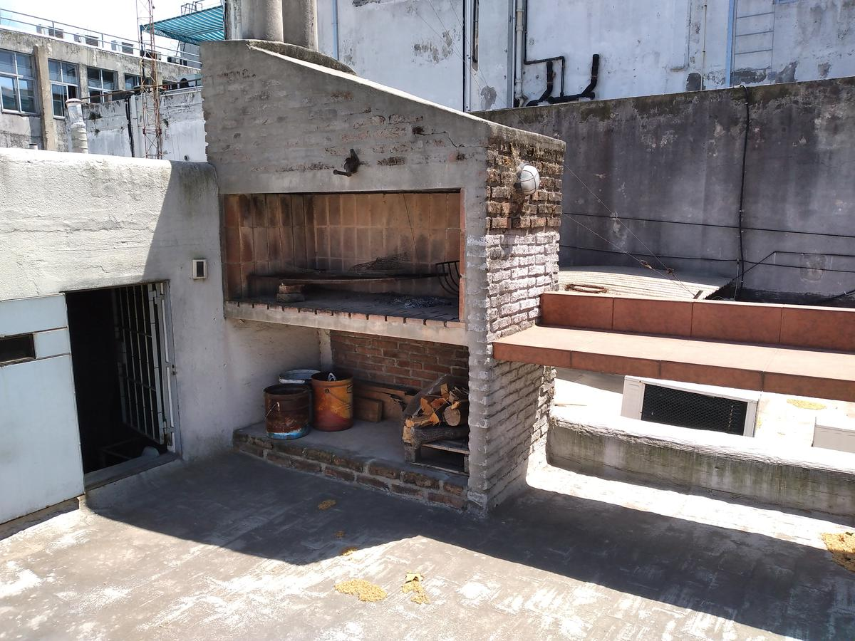 Foto Casa en Venta en  Aguada ,  Montevideo  Avda San Martin  al 2600