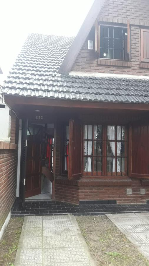 Foto Casa en Venta en  San Bernardo Del Tuyu ,  Costa Atlantica  Duplex en San Bernardo/Zuviria al 600