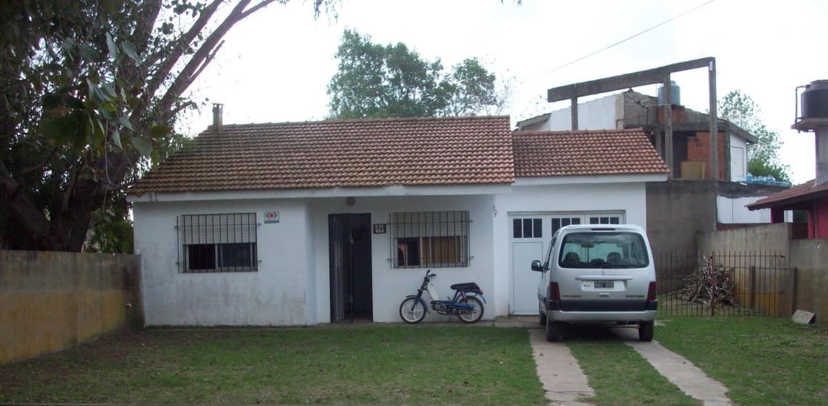 Foto Casa en Venta en  Mar Del Tuyu,  De La Costa  Calle 75  600