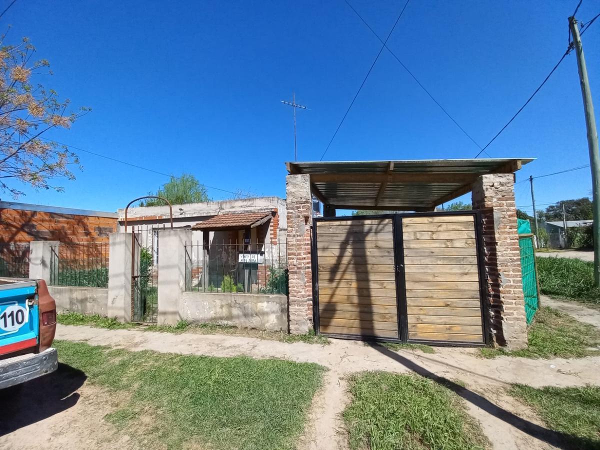 Foto Casa en Venta en  Marcos Paz ,  G.B.A. Zona Oeste  CENTENARIO al 1000