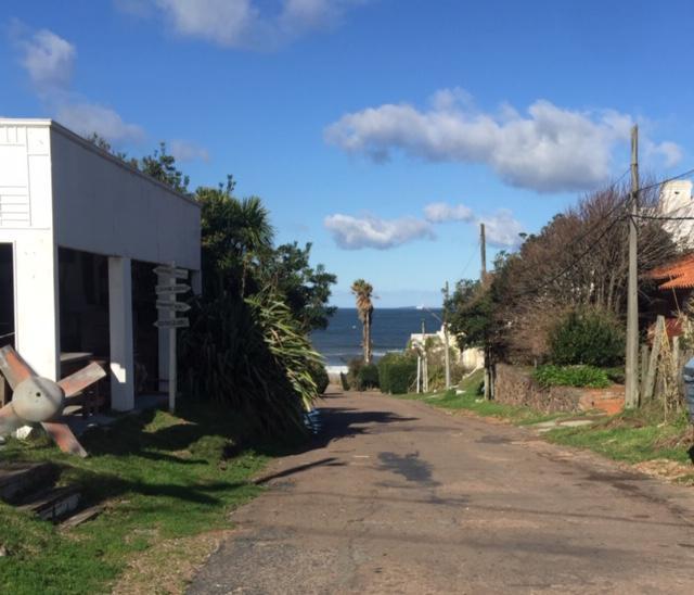 Foto Terreno en Venta en  La Barra ,  Maldonado         LOTE  430 Mts2 SOBRE RUTA 10 y ENSUEÑOS- LA BARRA