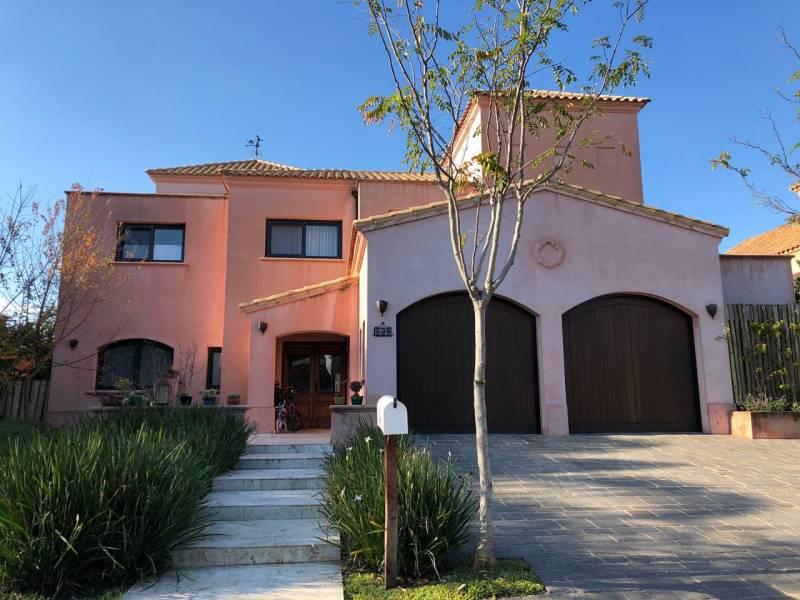 Foto Casa en Venta en  Los Castores,  Nordelta  Los Castores al 100