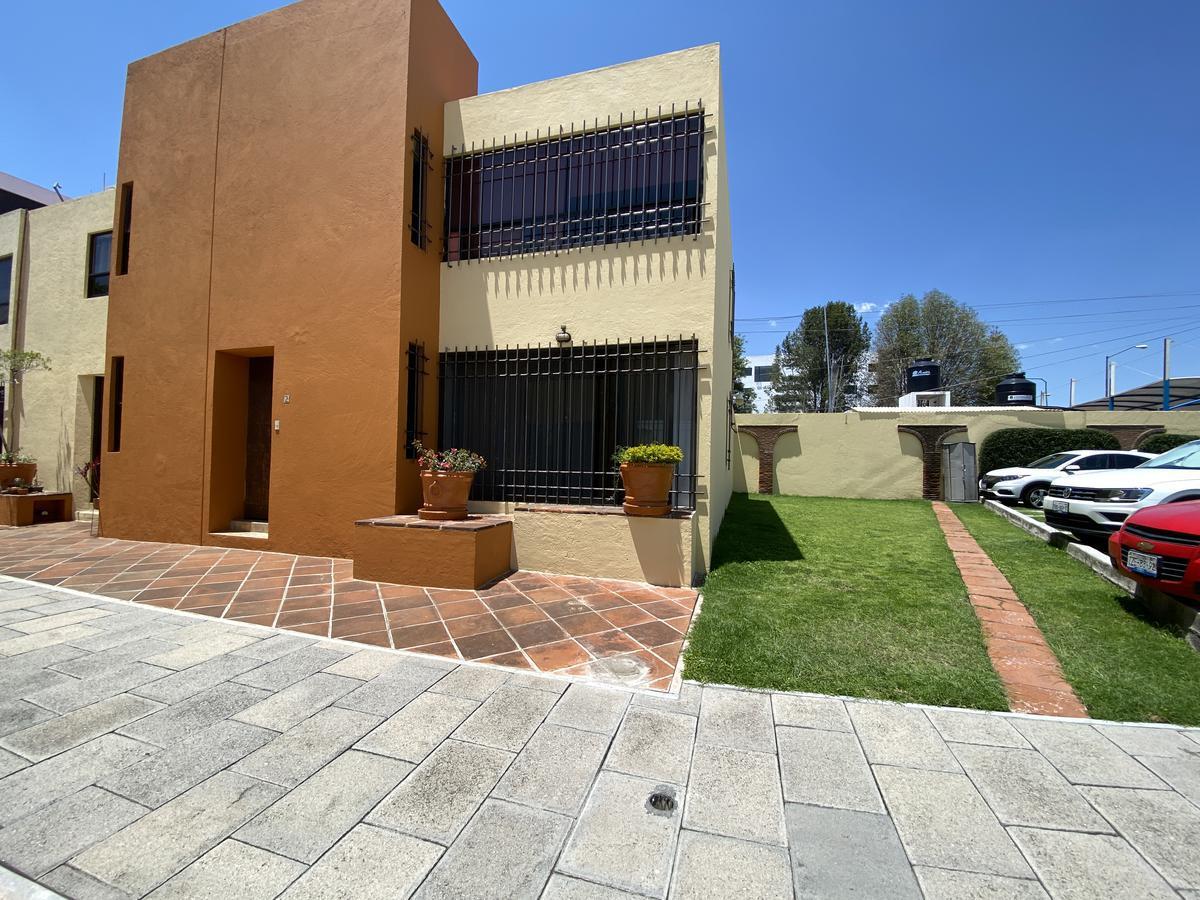 Foto Casa en Venta en  Unidad habitacional El Barreal,  San Andrés Cholula  Casa en Venta en Barrio Real Camino Real de los Cipreses