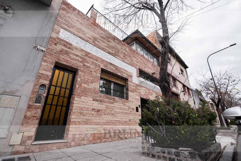 Foto Casa en Venta en  Parque Chacabuco ,  Capital Federal  Doblas al 1400