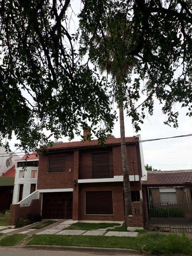Foto Casa en Venta en  Bell Ville,  Union  Tucuman al 1100