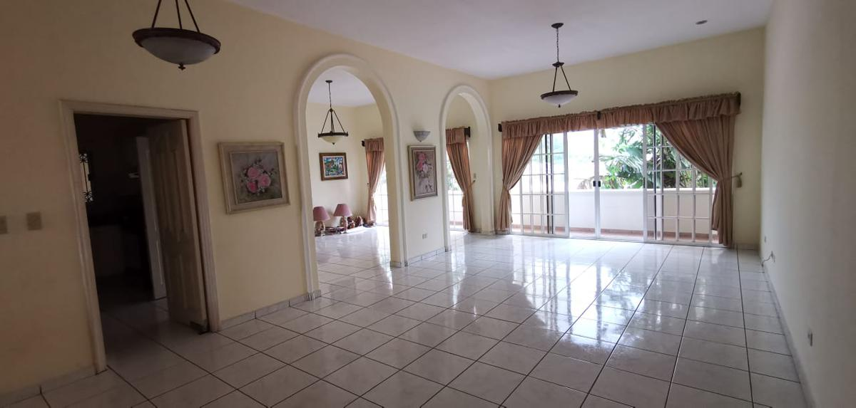 Foto Casa en Renta en  Lomas del Guijarro Sur,  Distrito Central  Casa 4 Hab. 4.5 Baños Lomas Coral