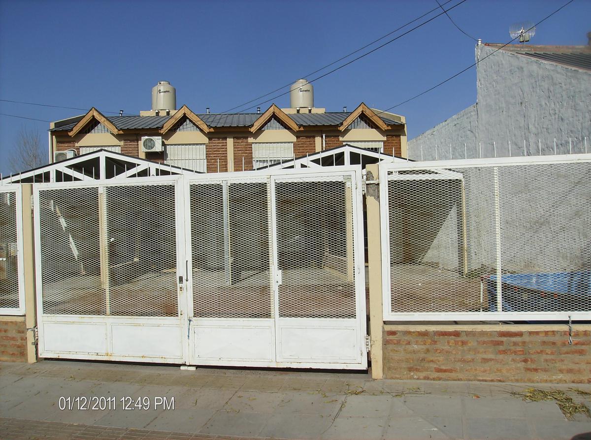 Foto Casa en Alquiler en  Villa Farrell,  Capital  Guiraldes al 300